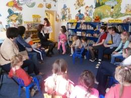 Bērnu bibliotēkā