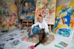 Mākslinieces Ināras Petrusevičas gleznu izstāde Latgales Centrālajā bibliotēkā