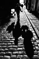 «Городские фрагменты» рижского уличного фотографа Юриса Юстса