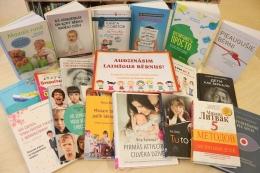 Daugavpils mikrorajonu iedzīvotājiem pieejamas saistošas grāmatas par audzināšanu un slavenību dzīvi