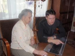 Bibliotēka cilvēkiem ar īpašām vajadzībām palīdz apgūt datorprasmes mājās