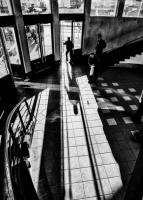 """Rīgas ielu fotogrāfa Jura Justa """"Pilsētas fragmenti"""" Latgales Centrālajā bibliotēkā"""